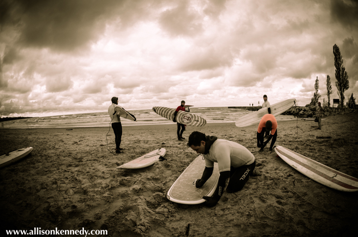 Acuna prepares for the Shortboard final.