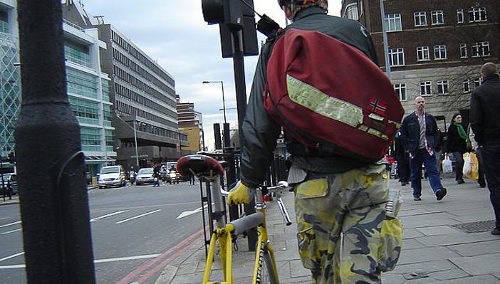 640px-Yellow_bike_0091