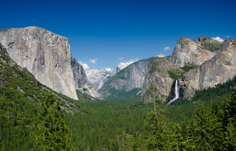 The Yosemite Valley, California. Via Wikimedia Commons.