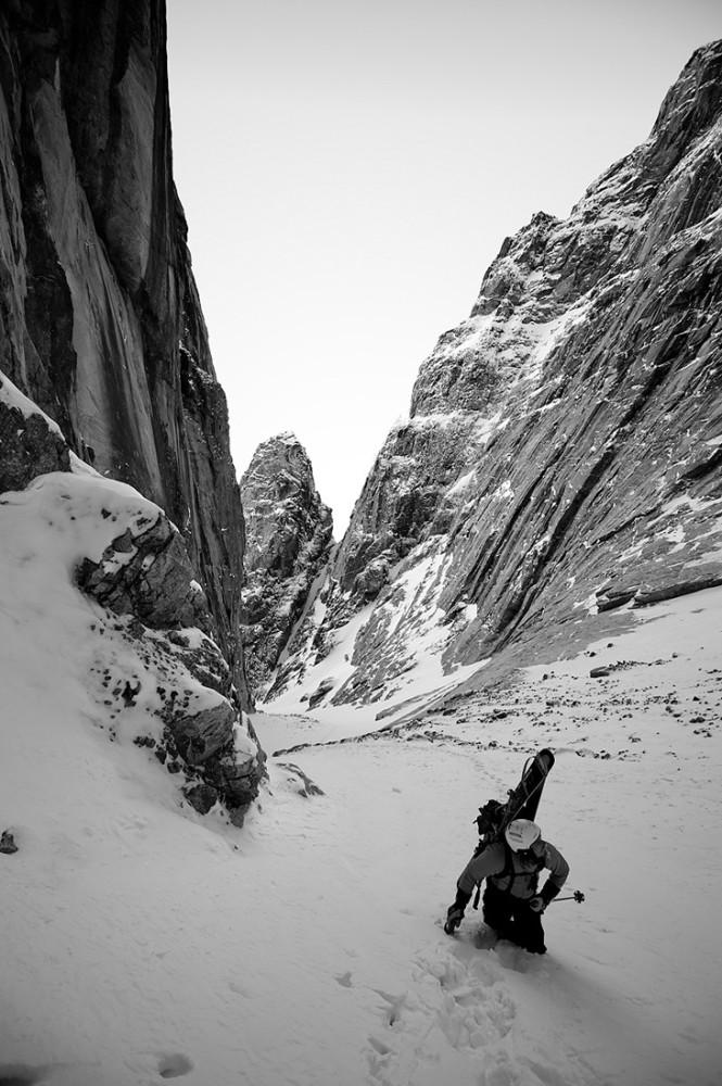 Chad Sayers in Walker Arm (Sam Ford Fjord) Baffin Island, Canada