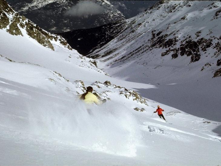 Highland staff heliskiing 01-Blackcomb Glacier