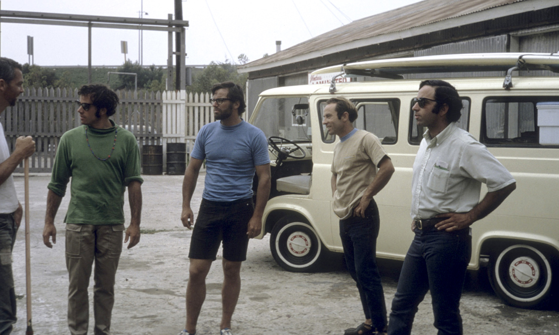 Beginning of Phun Hog trip Ventura, CA to Fitzroy, 1968. L to R: Doug Tompkins, Yvon Chouinard, unknown, unknown, Tom Frost