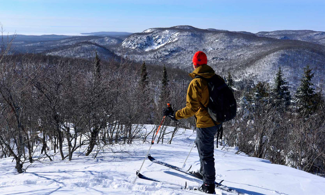 Overlooking the northeastern shore of Lake Superior, Paul Kyostia prepares to descend elusive Ontario backcountry stashes. CONOR MIHELL PHOTO.