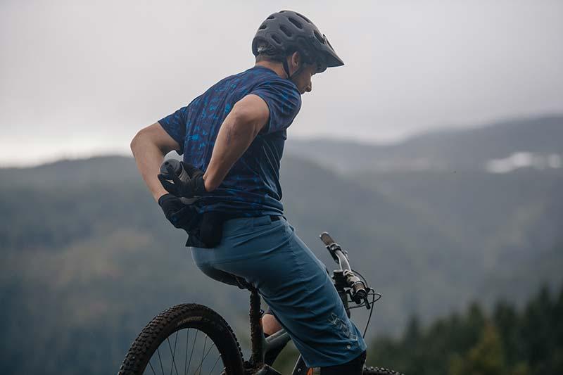 mountain life contest win sombrio smuggle bib liner