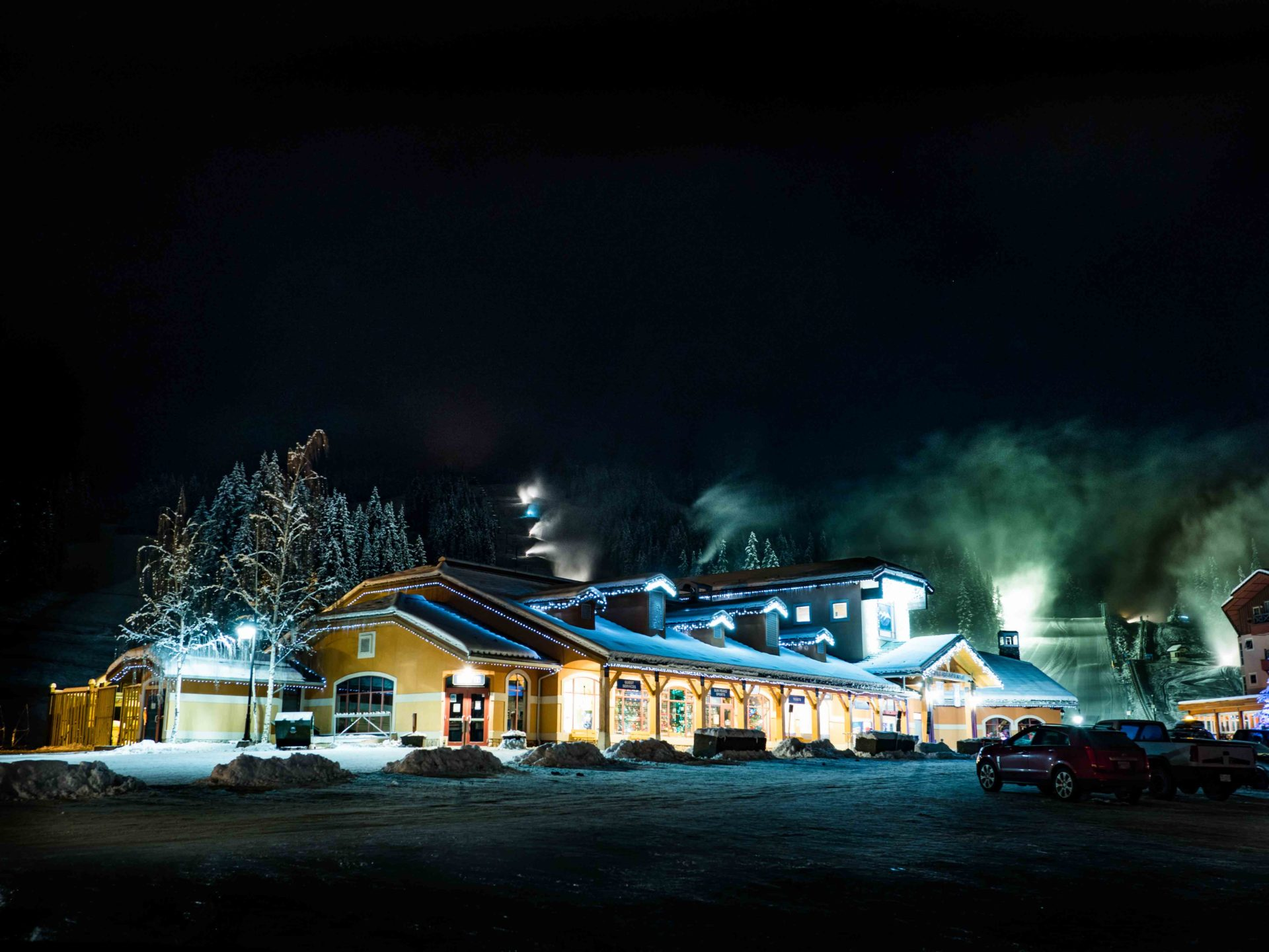 Sun peaks in winter at night