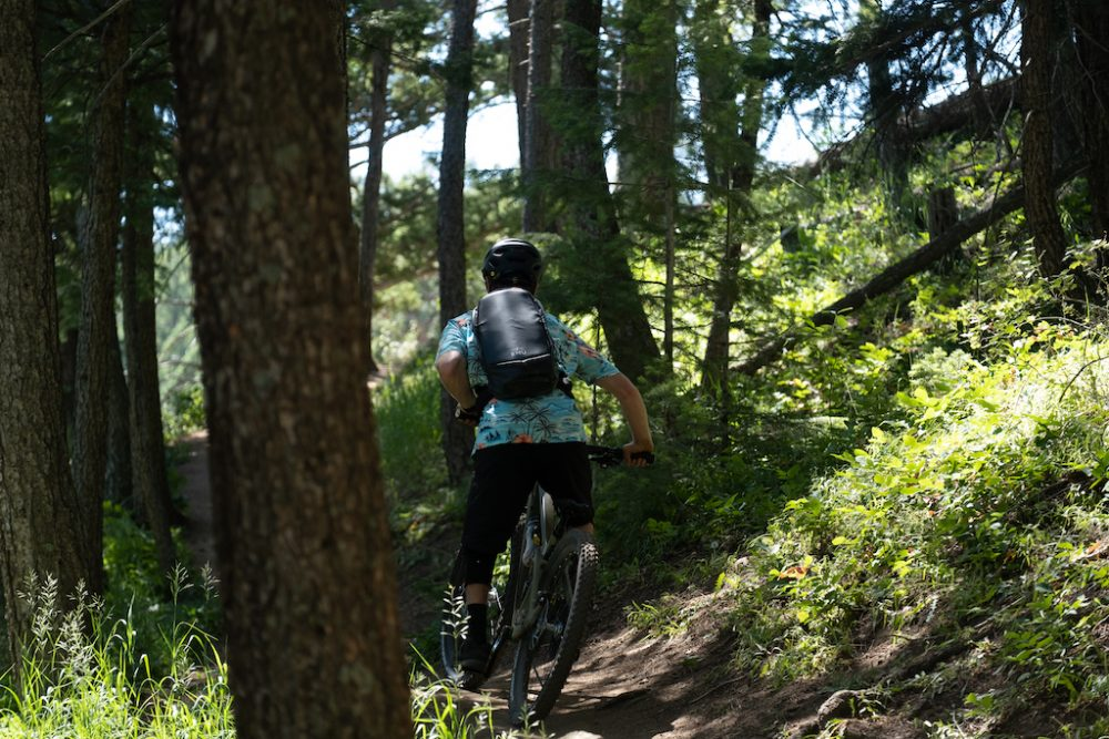 First-Look-The-Ultimate-MTB-Kit-RMU-JDuBois-LAllen-bike-on-trail