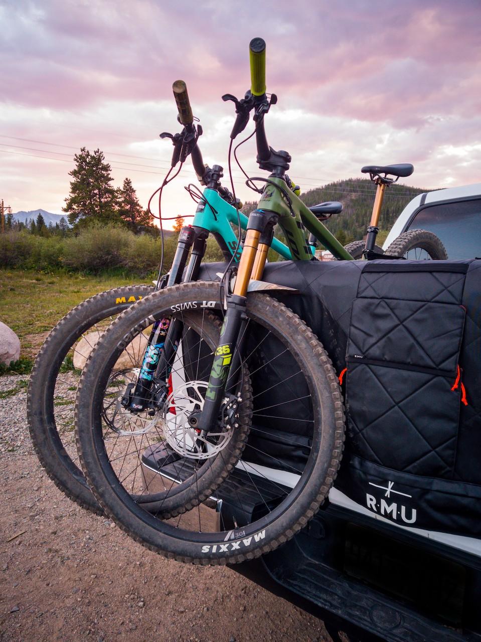 First-Look-The-Ultimate-MTB-Kit-RMU-TG-bikes-in-truck