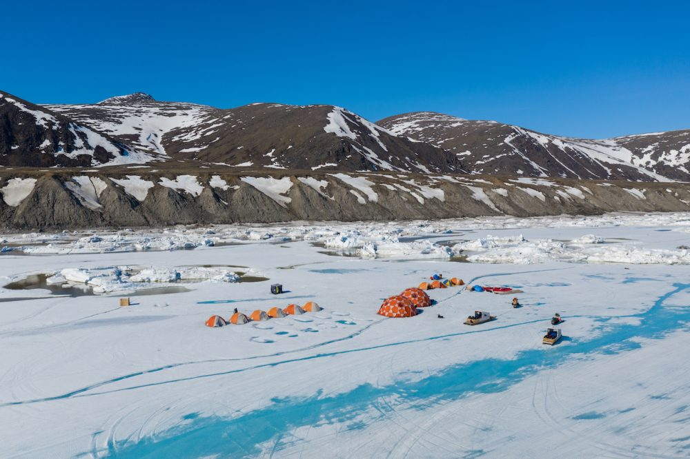 Floe-State-Camping-on-Nunavut-Ice-tents-Colin-Field