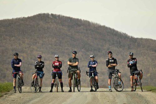 Gravel-Bandits-Gang-de-la-Garnotte-Bromont-Cyclists-Shun-Pavement-Bernard-Brault-lineup