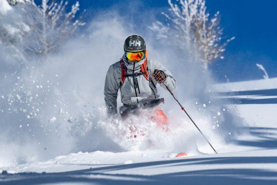 Helly-Hansen-Launches-Sustainable-LIFA-Infinity-Pro-Fabric-Elevation-Infinity-Shell-Jacket-skier-bluebird-day