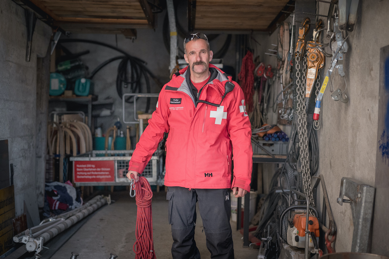 Helly Hansen to Outfit Canadian Ski Patrol-patroller-in-shed