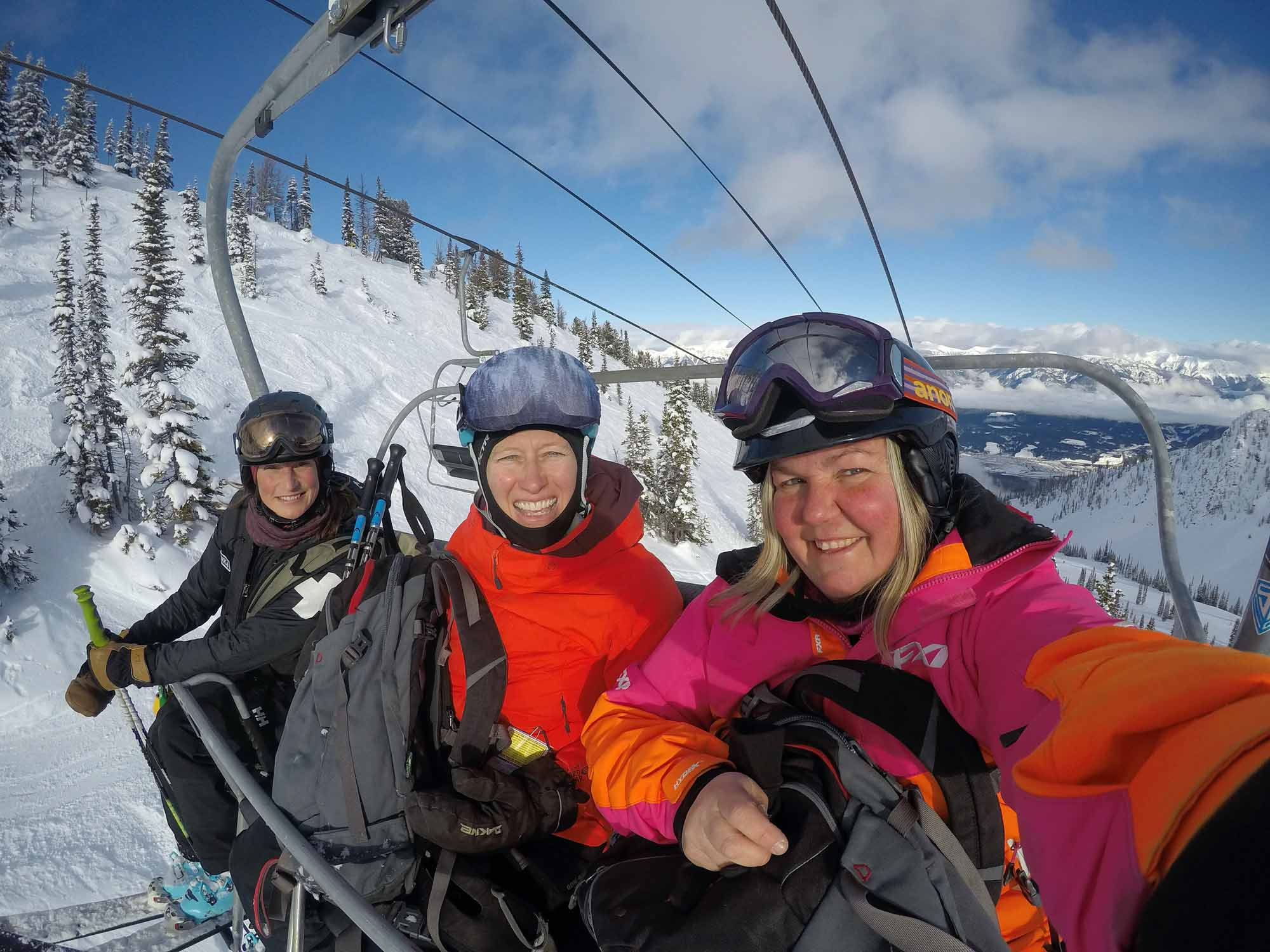Into-the-Great-White-Open-Moms-Shred-Golden-BC-Allison-Kennedy-Davies-chairlift-selfie-Kicking-Horse