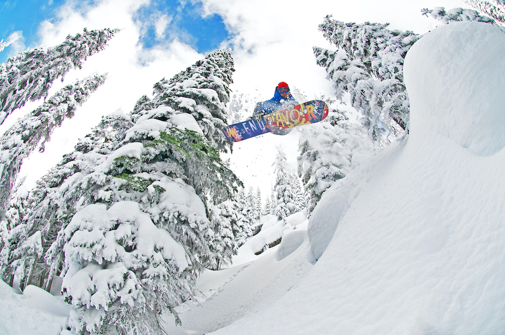 Meet-Constella-A-New-On-Mountain-Cabin-Experience-at-RED-Dirk-Lewis-photo-snowboarder