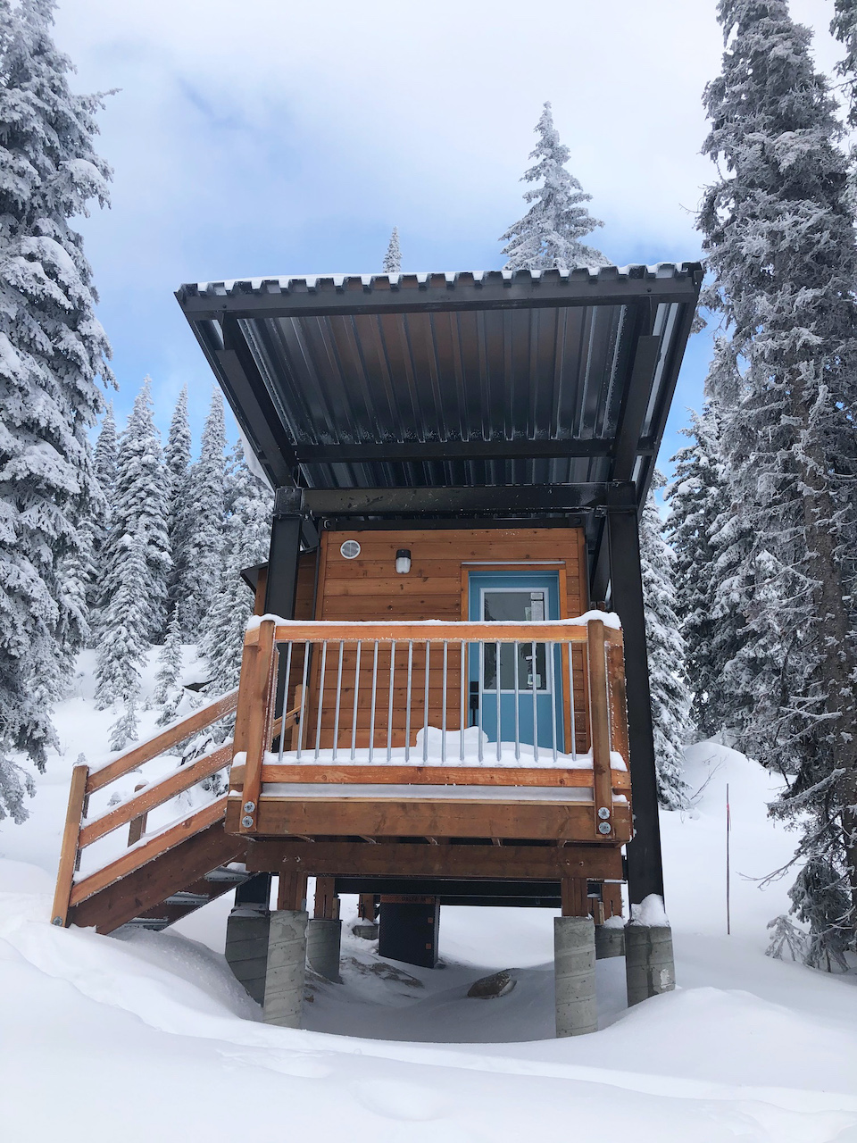 Meet-Constella-A-New-On-Mountain-Cabin-Experience-at-RED-new-cabin-awning