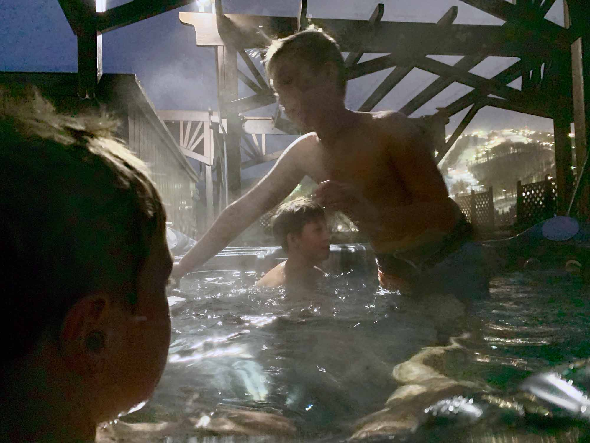 Pow-Immersion-Fathers-and-Sons-Quebec-Bro-down-Glen-Harris-hottub