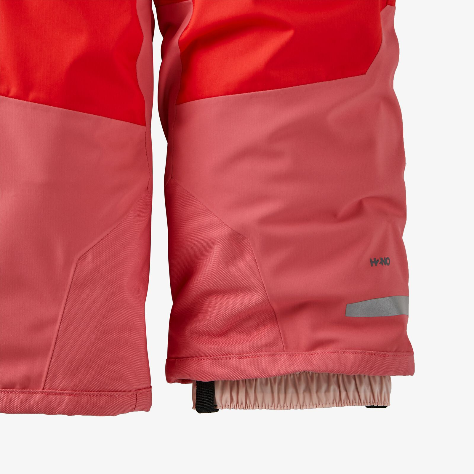 Snow-Pile-Patagonias-Recycled-Jackets-and-Bibs-for-Youngsters-bib-GAITER