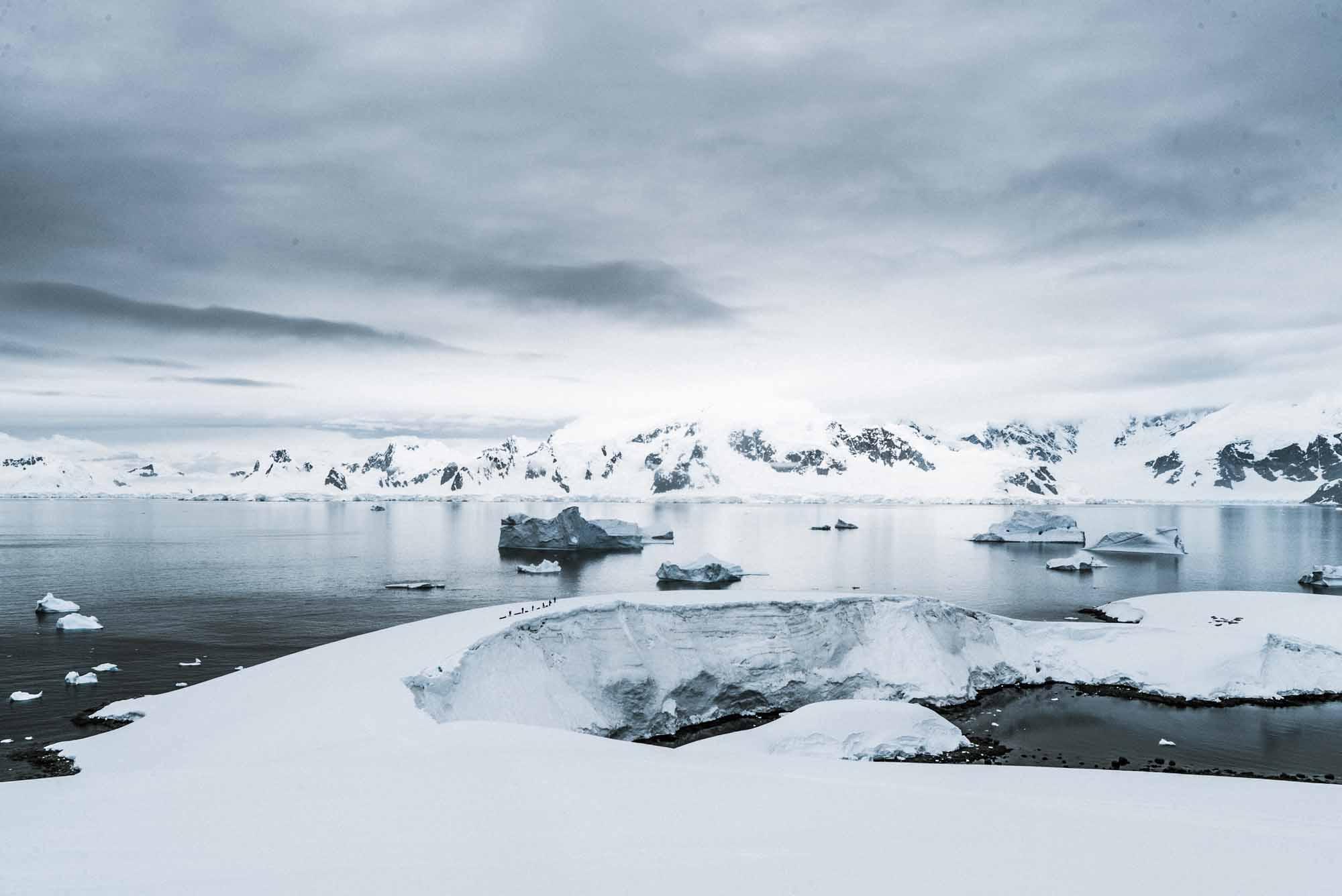 Polar-Quest-Exploration-Polaire-Exploring-Boundaries-in-Antarctica-Caroline-Cote-photo-the-Forbidden-Plateau