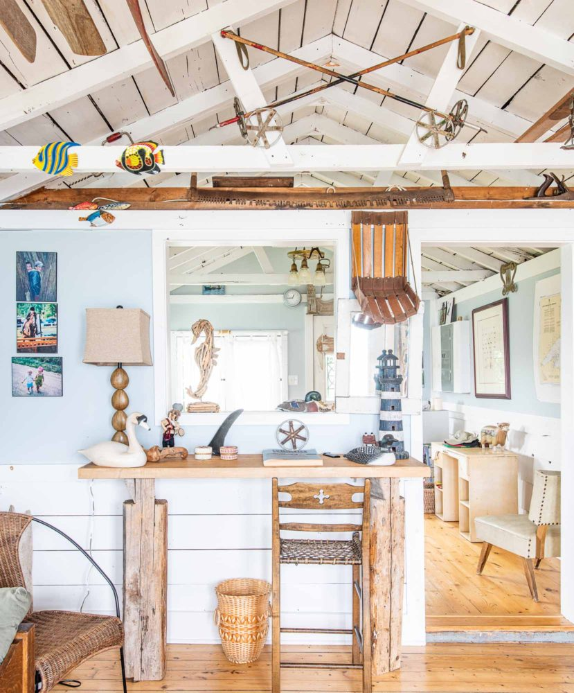 The-Chalet-and-the-Beach-House-Ontarios-Ski-Heritage-in-Two-Buildings-photo-by-Kristin-Schnelten-Beach-house-interior