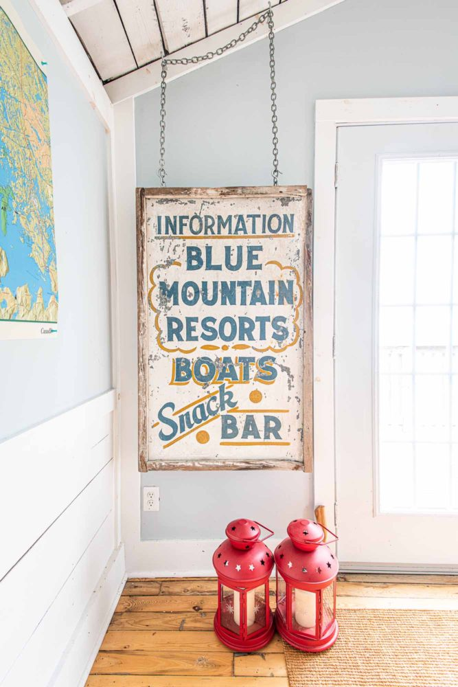 The-Chalet-and-the-Beach-House-Ontarios-Ski-Heritage-in-Two-Buildings-photo-by-Kristin-Schnelten-vintage-sign
