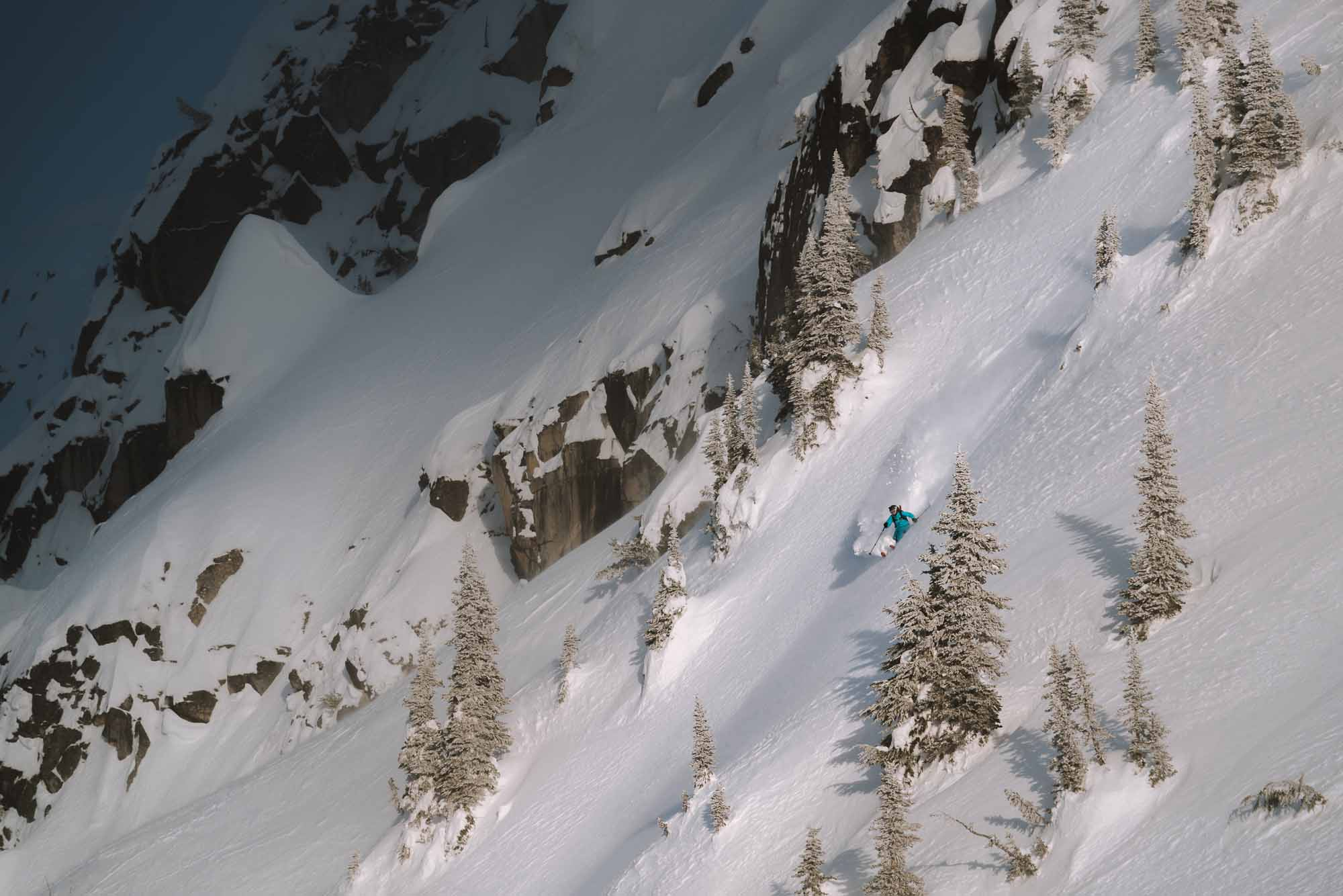 The-Epitome-of-Untouched-Heli-Camping-in-the-Alpine-photo-by-Michael-Overbeck-skier