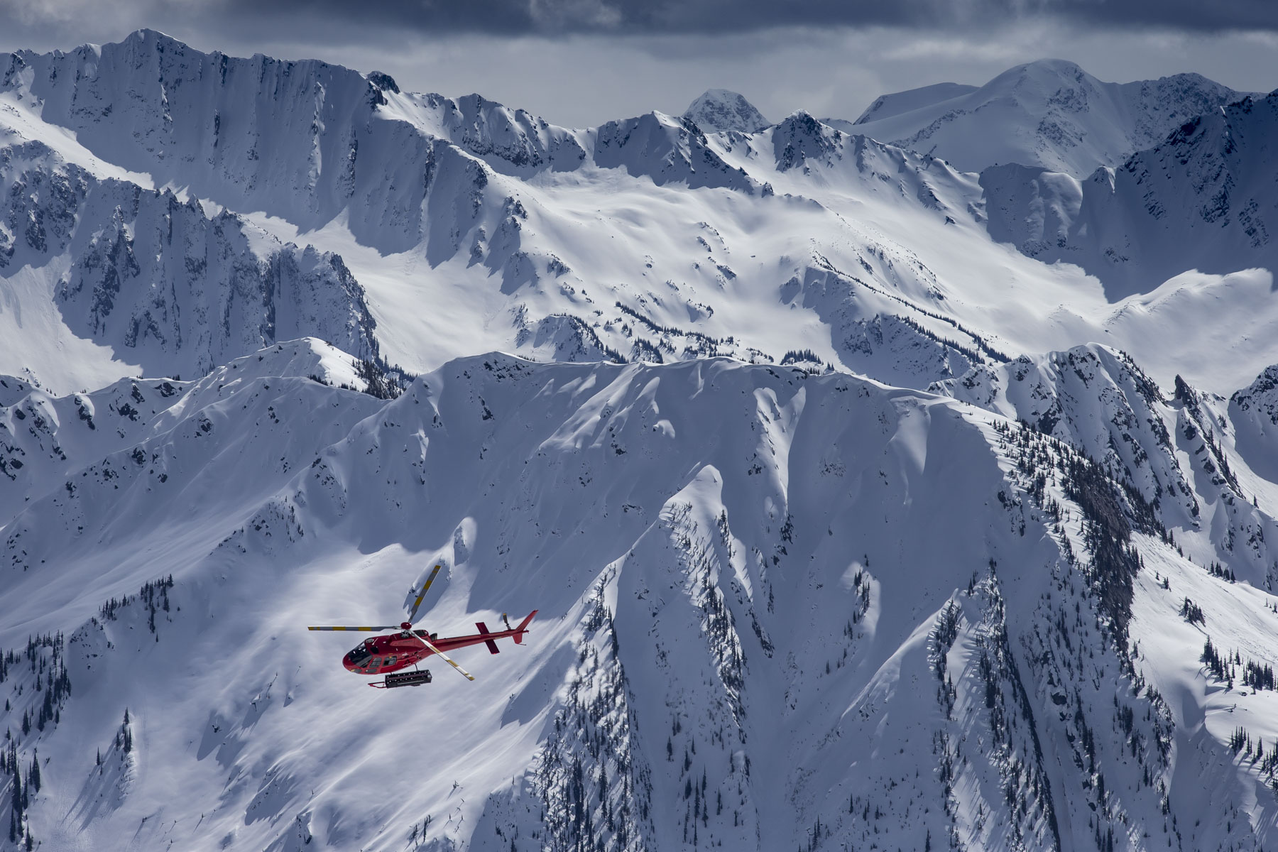 Pristine-Pow-and-Age-Old-Wisdom-at-Mica-Heliskiing-Lifestyle-Heli