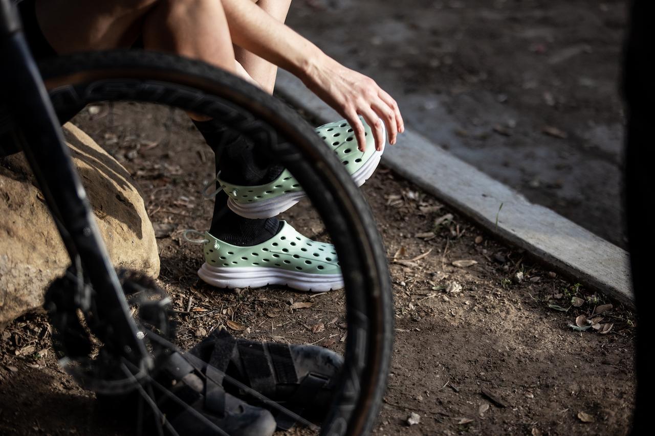 Kane-Revive-A New-Crop-of-Regenerative-Footwear-bike-wheel