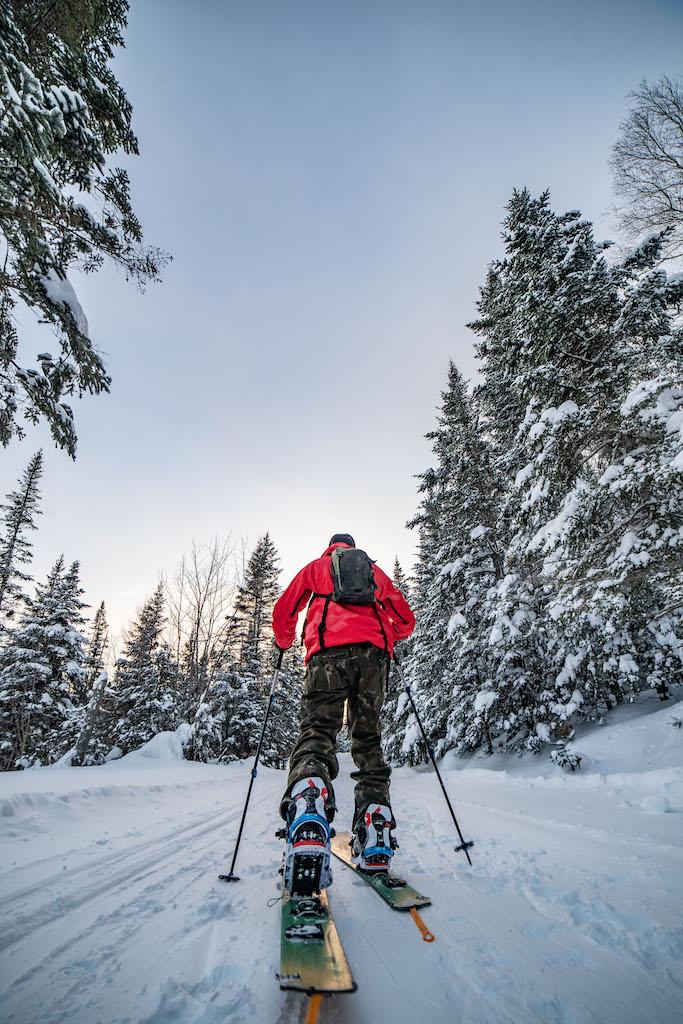 La-renaissance-de-Murdochville-A-White-Gold-Empire-Reborn-skier-Nic-Sauve-photo-by-NICK-DIGNARD