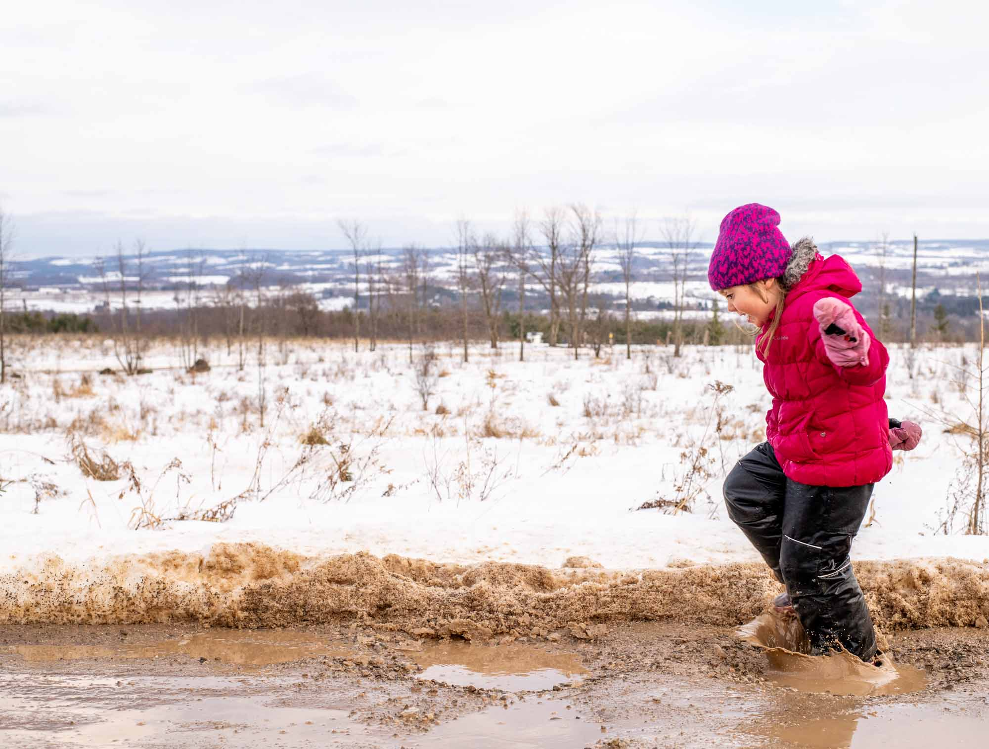 Nature-as-Teacher-Outdoor-Schools-Bring-Learning-Into-the-Elements-photo-by-Kristin-Schnelten-mud-puddles