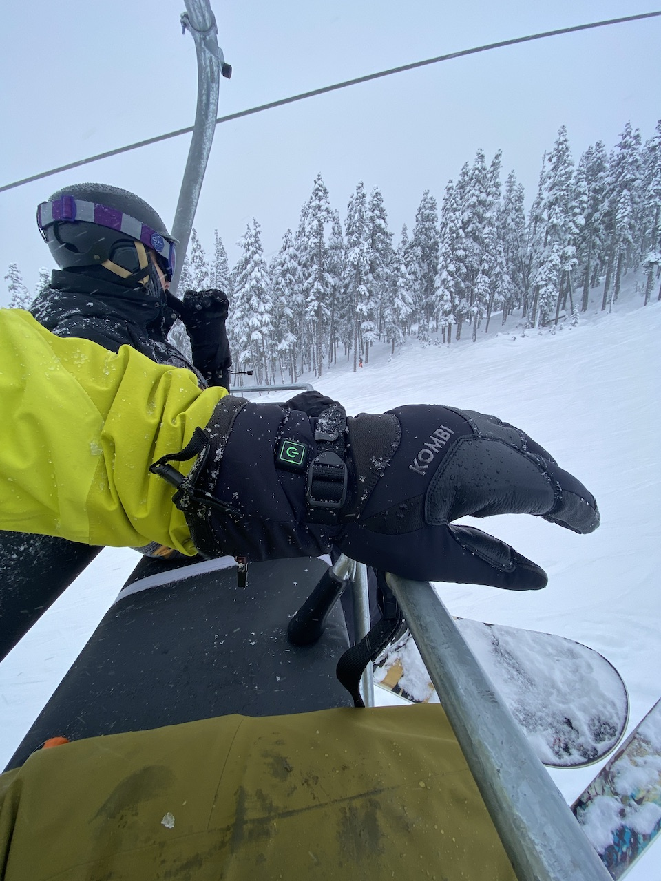 Warm-Front-Kombis-Heated-Gloves-and-Mitts-womens-mens-Warm-Up-Glove-chairlift