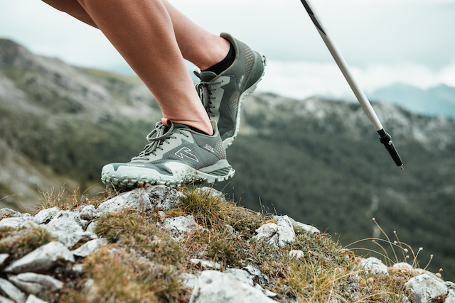 One-Quiver-Trail-Shoe-Tecnica-Magma-womens-running-over-rock