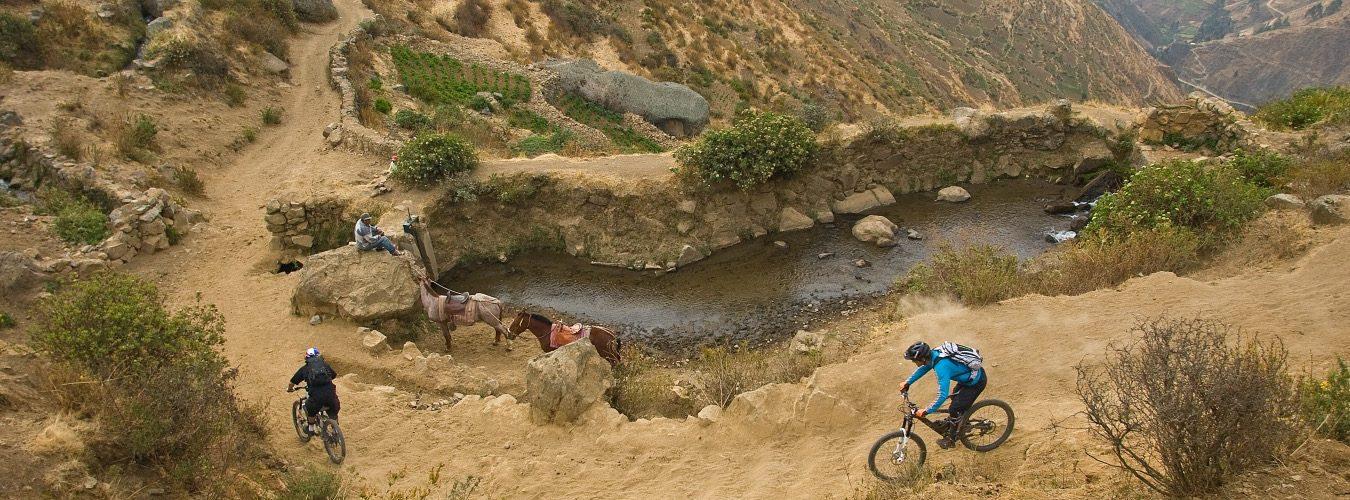 Inca-Roads-peru-mountain-bikes-descending-Paul-Morrison-photo